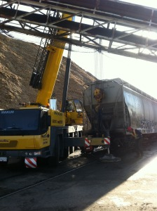 Working on train derailment in tight quarters